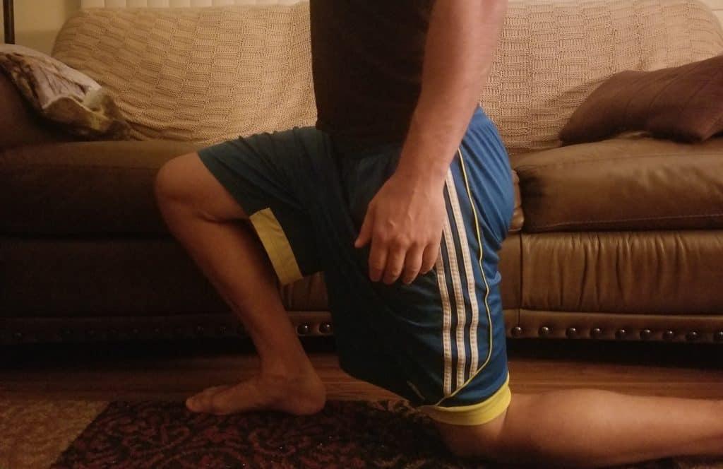 traditional hip flexor stretch
