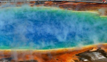 sulfur gases on lake